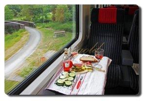 Im Zug e68b49cad145799aedb107212558b7e2